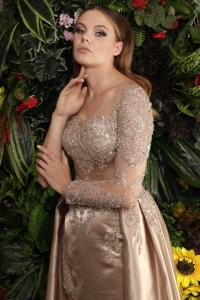 Gold İşleme Detaylı Nişan Elbisesi