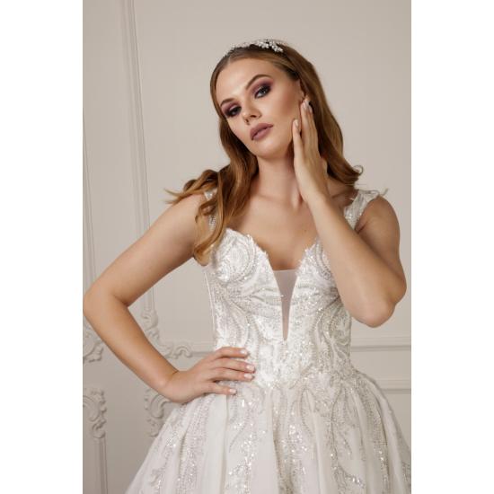 Yoğun Gümüş İşlemeli Prenses Model Gelinlik